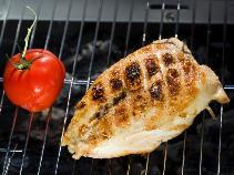 Grillowana pierś z kurczaka: przepisy z 2 marynatami