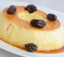 Pudding mleczno-śmietankowy z owocami czy gotowy budyń? Co wybrać?
