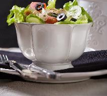 Sałatka w stylu greckim: przepis na łatwe w wykonaniu sylwestrowe danie