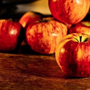 Placki z jabłkami w oryginalnej odsłonie: przepis na atrakcyjnie wyglądający deser