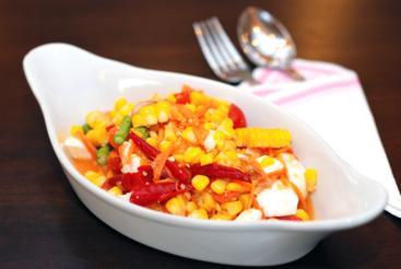 Sałatki z kukurydzą