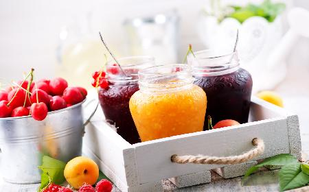 Konserwowanie owoców cukrem - czym jest? Jakie ma zalety?