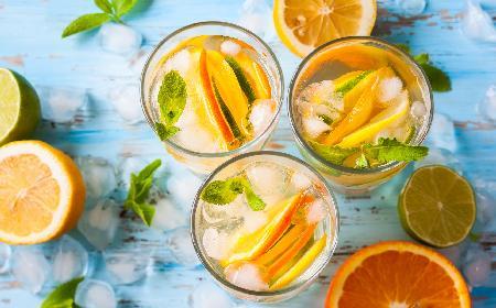 Lemoniada cytrusowa - przepis na lemoniadę z cytryn, limonek i pomarańczy