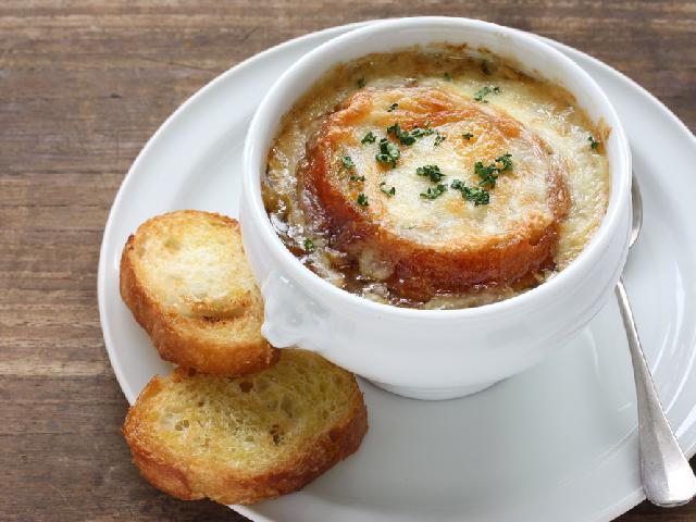 Zupa Cebulowa Z Grzankami Wedlug Magdy Gessler Przepis Na Francuska