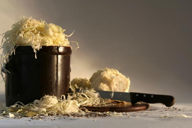 Kiszenie kapusty: jak zrobić domową kiszoną kapustę?