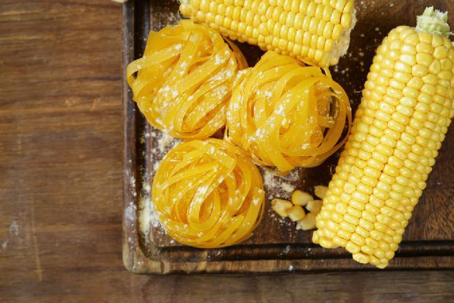 Domowy makaron kukurydziany - bezglutenowy i smaczny