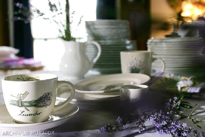 Jak nakryć do stołu na uroczystą kolację czy wykwintny obiad?