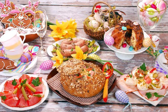 Wielkanocne śniadanie - co według tradycji podać na świąteczny stół