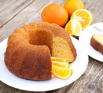 Babka pomarańczowa: wilgotna dzięki zmiksowanym w całości owocom