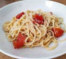 Makaron z pomidorami: danie jednogarnkowe [Obiad w 15 minut]