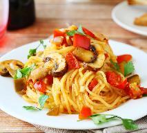 Fantastyczne spaghetti z warzywami i grzybami - szybki i tani jesienny obiad