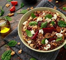 Sałatka z kaszą gryczaną - pożywna, sycąca i pyszna
