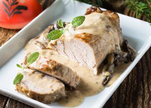 Schab w sosie śmietanowo-grzybowym - idealne danie na rodzinny obiad