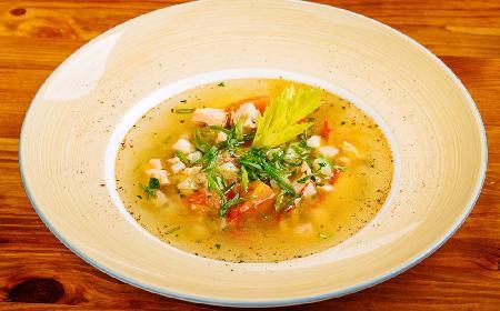 Zupa z dorsza z jarzynami: przepis na pyszną alternatywę dla niedzielnego rosołu