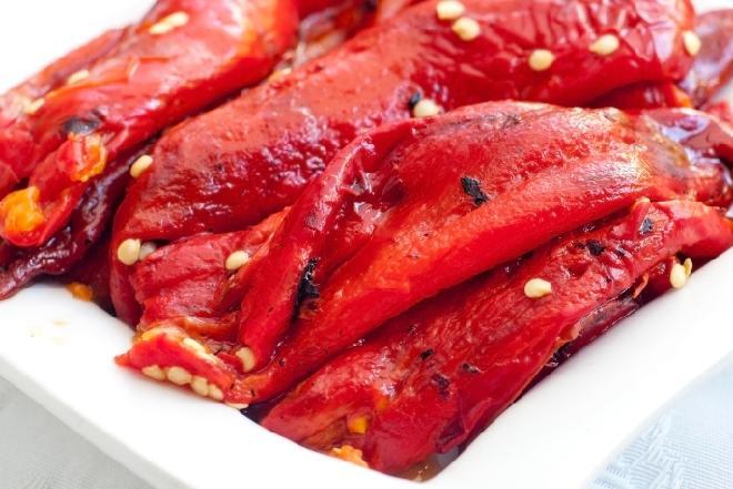 Papryka pieczona marynowana w oliwie