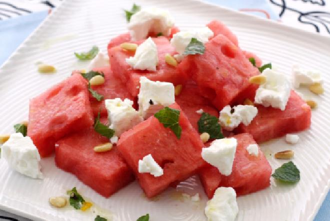 Wytrawna sałatka z arbuza: przepis